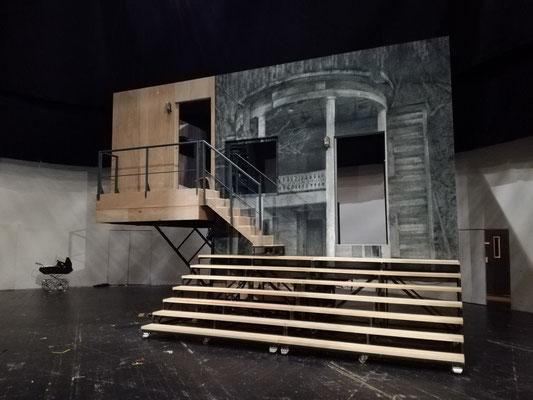 Bühnenbild/stage design: Nina von Mechow