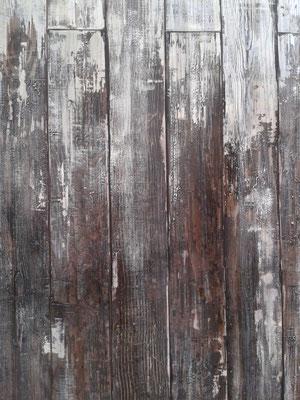 Farbe und Füllmasse auf Sperrholz