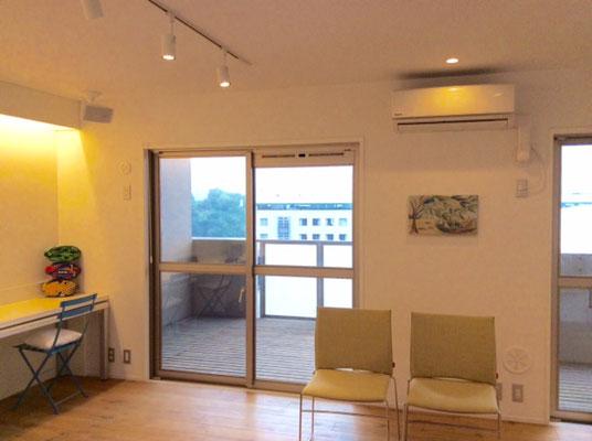 尾道アートビオトープの室内風景です。