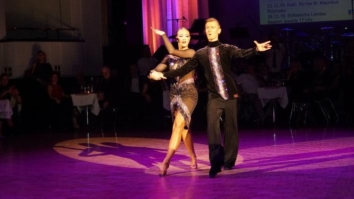 Julian Gümpel und Lucy Hoffmann