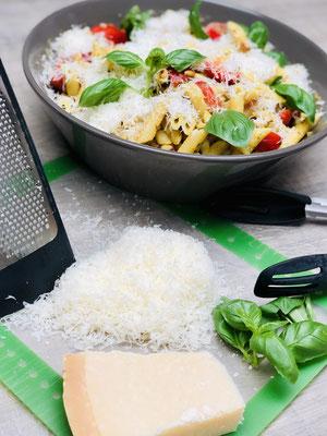 Italienischer Nudelsalat alla Martina Ziehl aus der Stoneware Schüssel von Pampered Chef