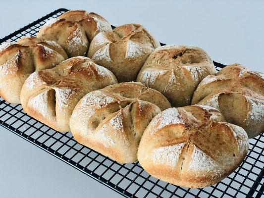 Ich wette, meine Brötchen schmecken leckerer als Bäckerbrötchen ♥