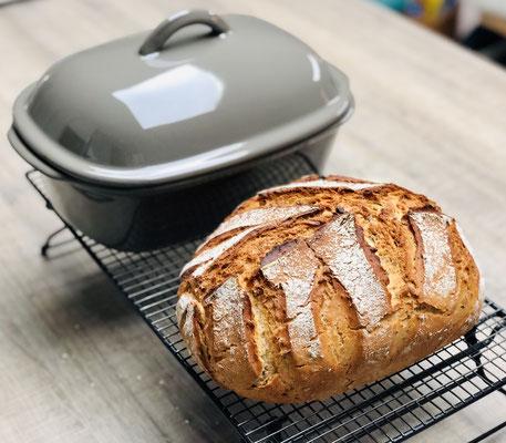 So ein tolles Brot kannst du nur selber backen - denn welcher Bäcker backt denn schon LIEBE mit rein ♥