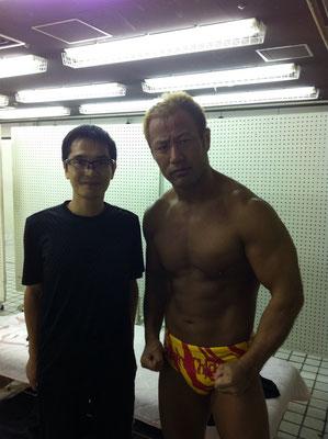 新日本プロレス本間選手との写真