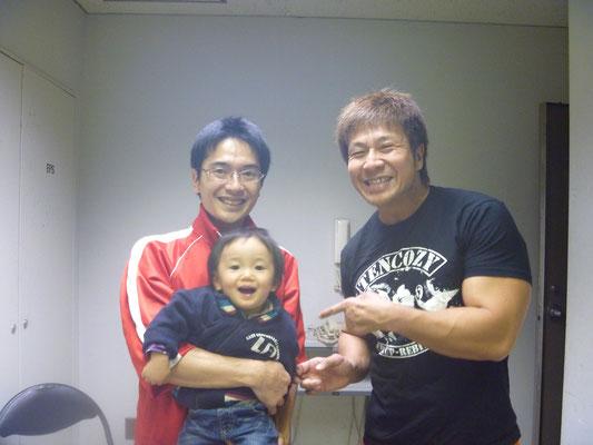 新日本プロレス小島選手との写真