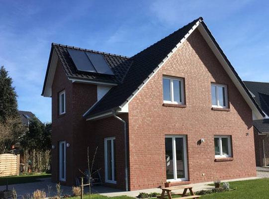 Einfamilienhaus in Tornesch, 5 Zi, Klinker, Solar, Kapitänsgiebel, KfW 70