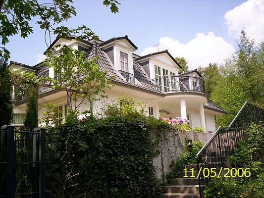 Mansarddachvilla mit Vollkeller in Ahrensburg
