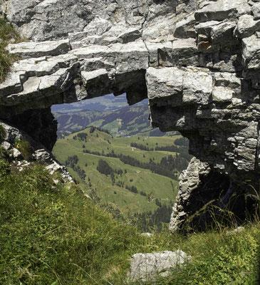 Durchblick ins Berner Mittelland