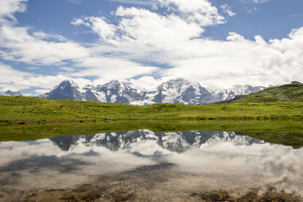 Die Sicht vom Obers Sulsseewli im Lauterbrunnental, auf den Eiger, Mönch, und die Jungfrau ist herrlich. Dieser See ist sehr abgelegen und nicht einfach zu erreichen, da kein Weg zu ihm führt.