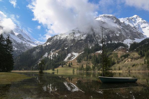 Der Lauenensee liegt in der Nähe von Gstaad im Saanenland