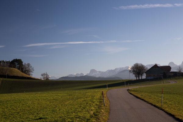 Herrliche Sicht auf die Berner Alpen bei Krommen in Hinterfultigen