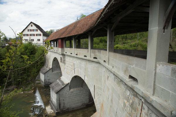 Die Teufelsbrücke am Jakobsweg bei Egg