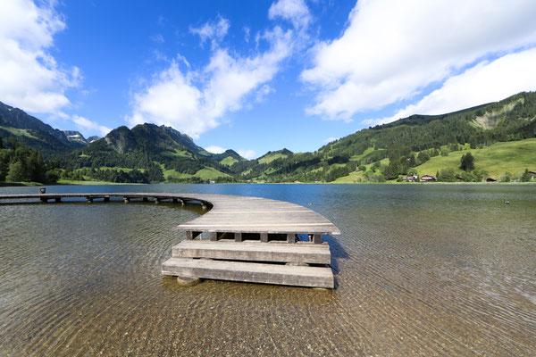 Eine bekannter See und Ausflugsziel ist der Schwarzsee in den Freiburger Voralpen