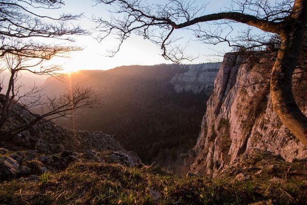 Sonnenaufgang auf dem Creux du Van bei Le Soliat