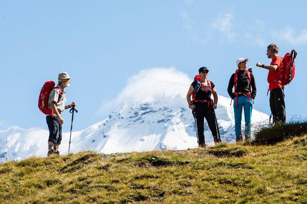 Pause oberhalb dem Schwarzsee in Zermatt  (Foto Rüedi)