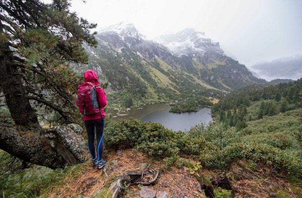 Auch bei schlechtem Wetter ist die Sicht auf den unteren Murgsee wunderschön