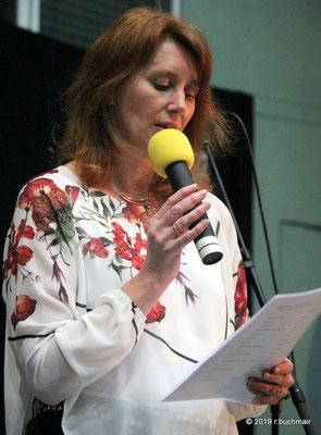 Maria Kaltseis (Sopran) führt durch das Programm