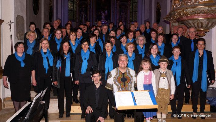 52 Sängerinnen und Sänger