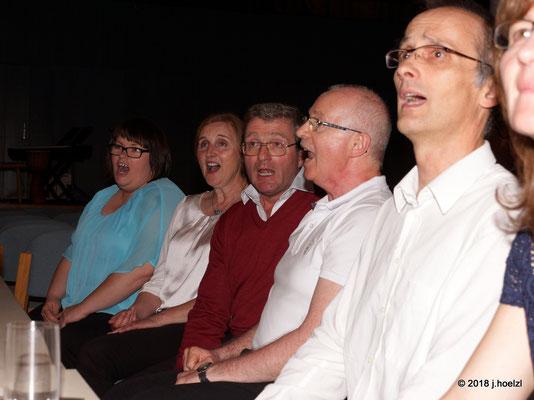 Das gemeinsame Singen nach dem Konzert