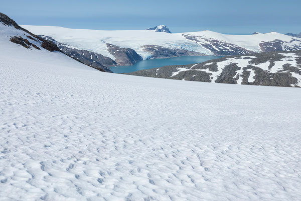 Storglomvatnet und westliches Svartis mit Helgelandsbukken vom Spidstind
