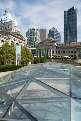 Vancouver, Robson Square Ice Rink , Art Gallery