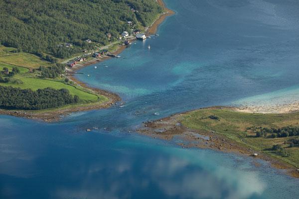 Straumsnesvika, Nevelsfjorden