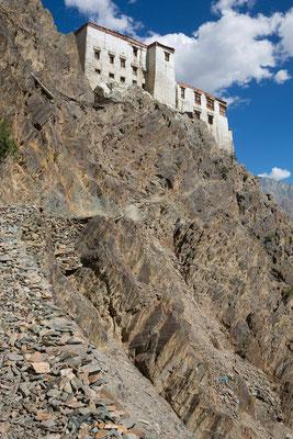 Hinteraufgang, Kloster Karsha