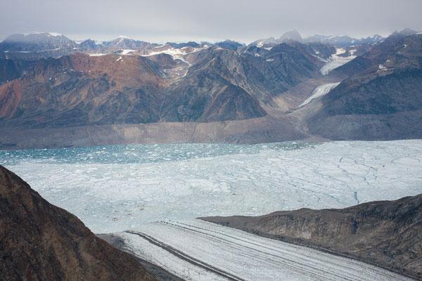 16. September Gletscher, Ningerti und Churcot Fjelde