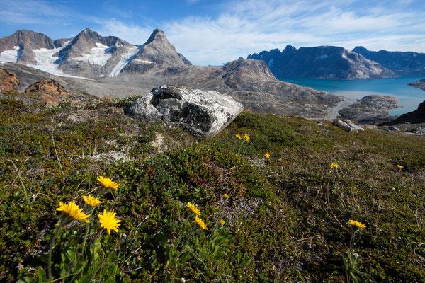 Nijiniartivaraq und Ikaasatsivaq Fjord  von Innertivik