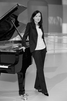 Alexandra Sostmann, Pianistin
