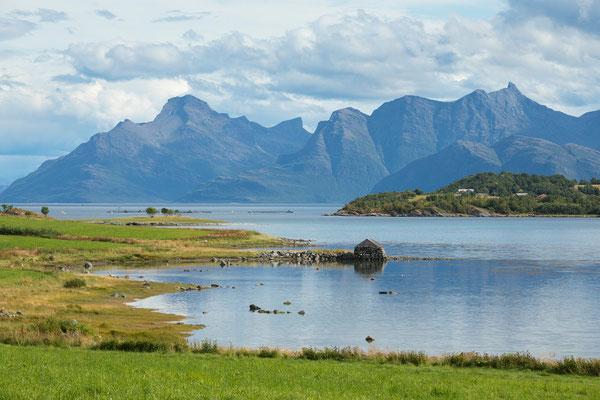 Skagstadosen mit Sagfjorden (Engeløya)