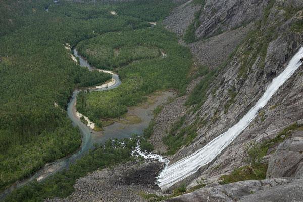 Litlvervassfossen und Storskogdalen (Rago NP)