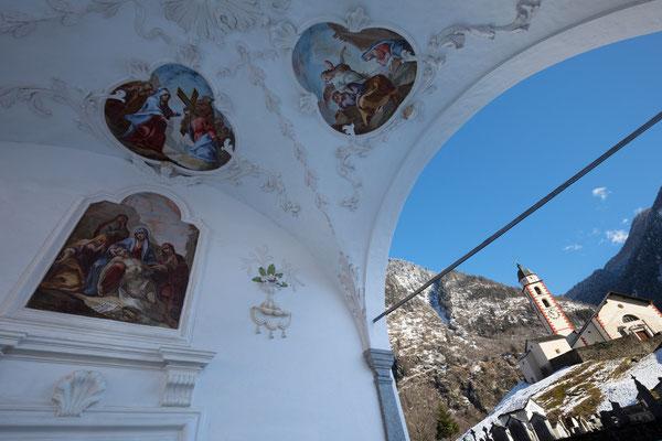 Oratorio della Madonna Addolorata mit Chiesa di San Martino, Soazza