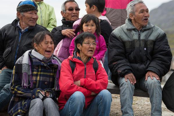 Fußball-Fans in Qaqortoq