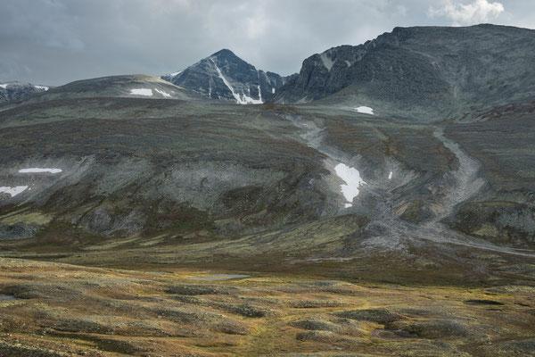 Bergedalen mit Veslemeden und austre Smedhamran