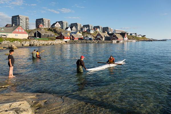 Nuuk - Paddelunterricht im Kolonial-Hafen