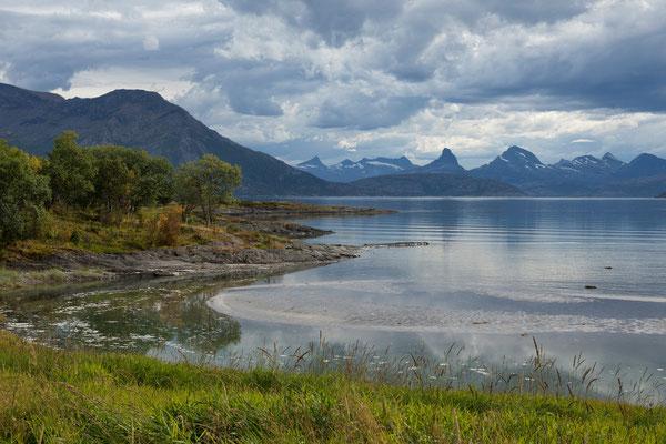 Breivikodden und Nordfolda mit Skeistinden (Steigen)