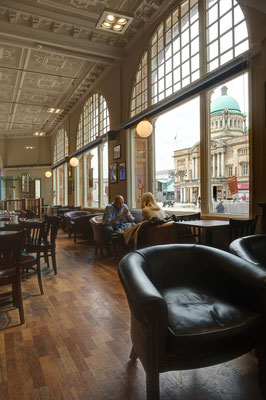 Hull, Caffe Nero