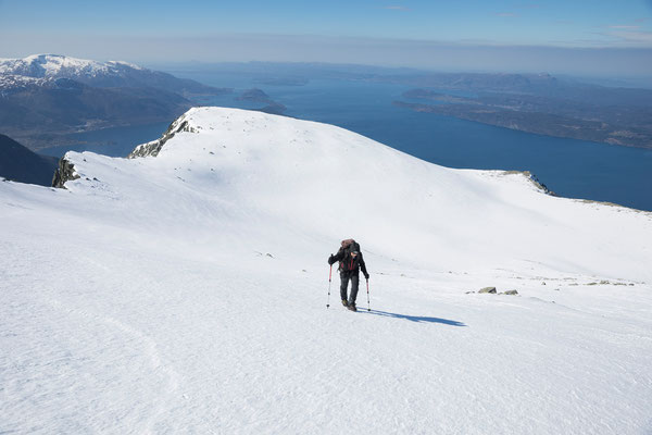 Aufstieg zum Melderskin, Kvinnheradsfjord