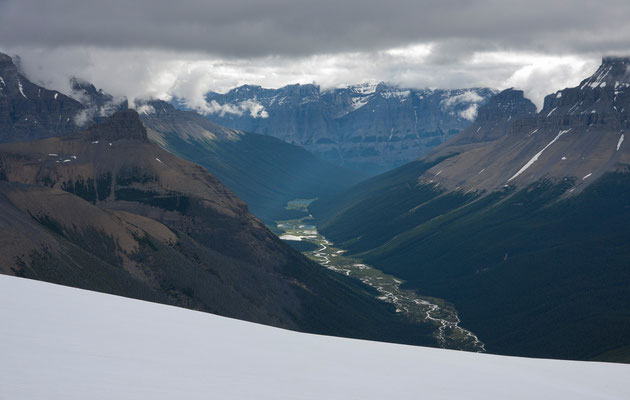 Valley of Lakes (Arctomys River) from Lyell-Icefield