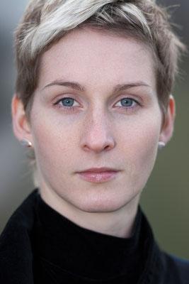 Karin Krauke, Bratschistin