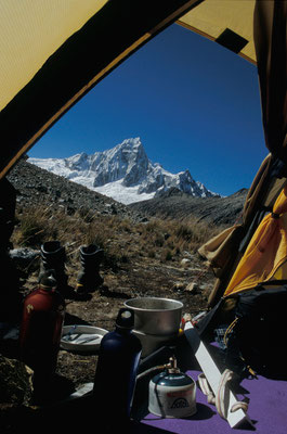 Camp Millisraju mit Taulliraju, Cord. Blanca, Peru
