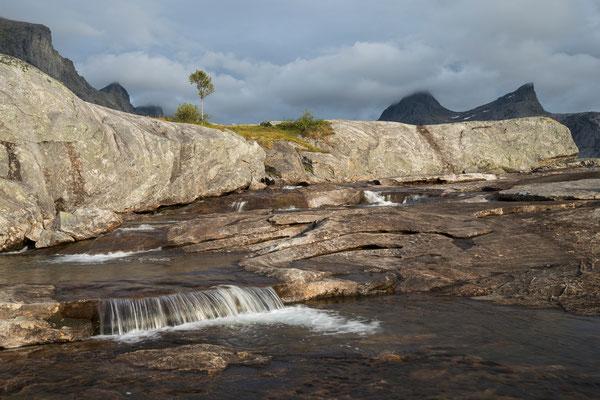 Am Dalsvatnan im Falkflågdalen