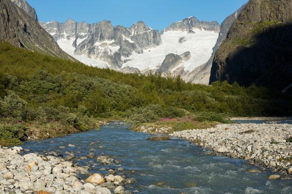 Tiningnertooq Valley