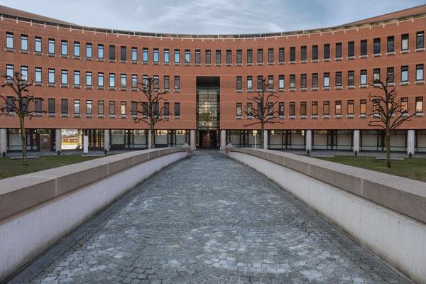 Business Center von Mario Botta, Bellinzona