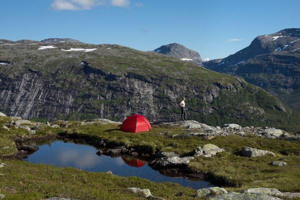 Camp am Dalfjellet (Sjunkhatten NP)