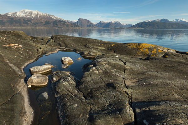 Kvinnheradsfjorden mit Melderskin, Malmangersnuten, Rosendal und Ulvanosa