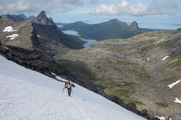 Mølnelva mit Trolltinden und Nevelsfjorden