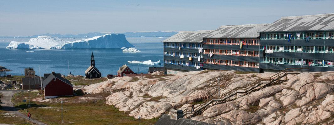 Ilulissat, Zionskirche und sozialer Wohnungsbau