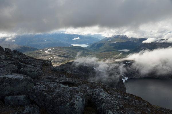 Beiarfjorden und  Kjerringvatnet vom Lurfjelltinden